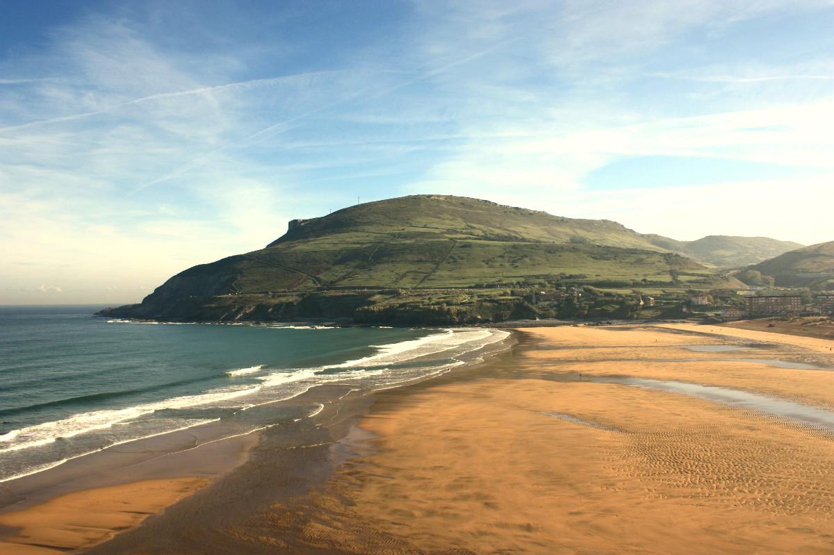 Playa de la arena en zierbena experiencias turismo for Arena de playa precio